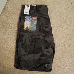 NWT Wrangler Camo cargo shorts